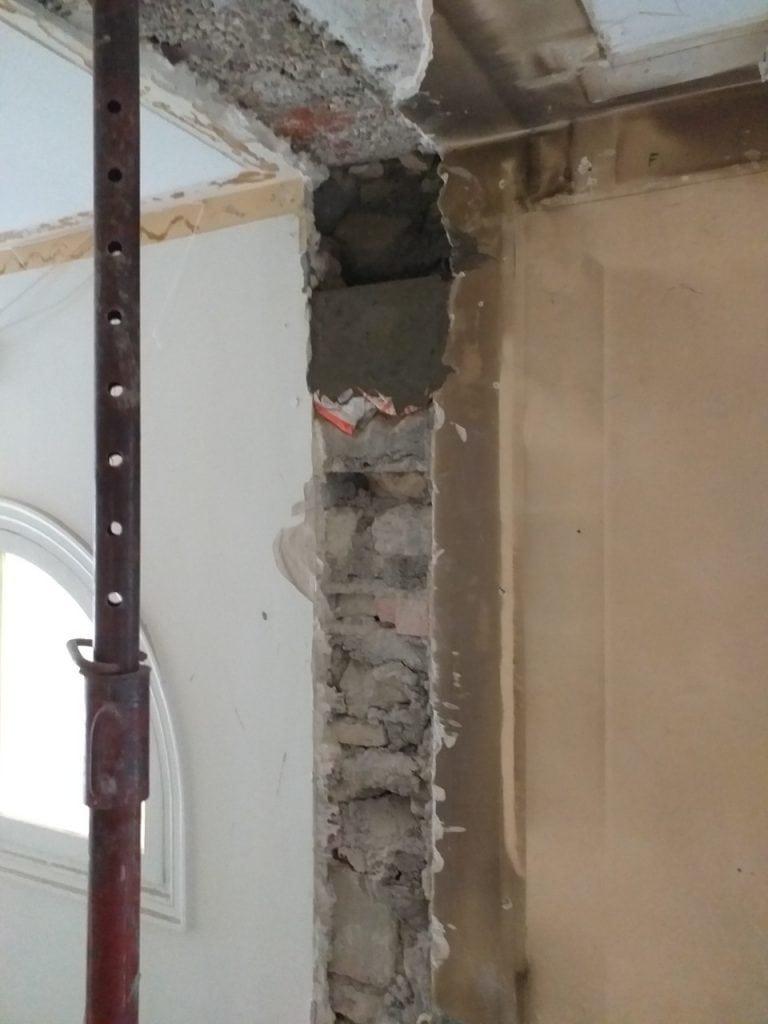 Démolition d'un mur porteur en parpaing, renforcement par poutre et tube carré, réalisé à Maison-Alfort - Murs porteurs