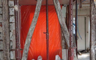 Suppression d'un mur porteur à Saint-Laurent-du-Var. Installation de renfort métallique.