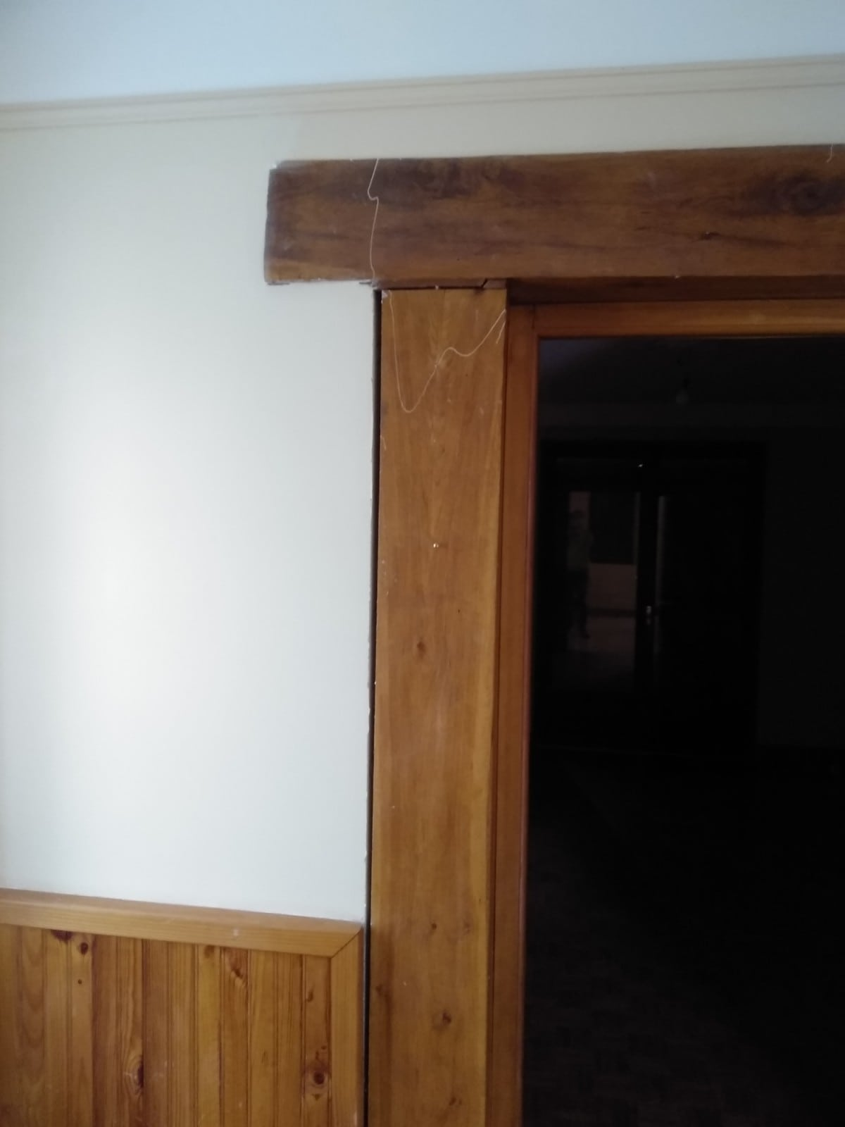 Remplacement de poteaux et poutre existante en bois, création d'une baie de passe-plat. Agrandissement d'une baie dans un mur porteur. Renforcement par structure métallique. Travaux à Pégomas. - Murs porteurs