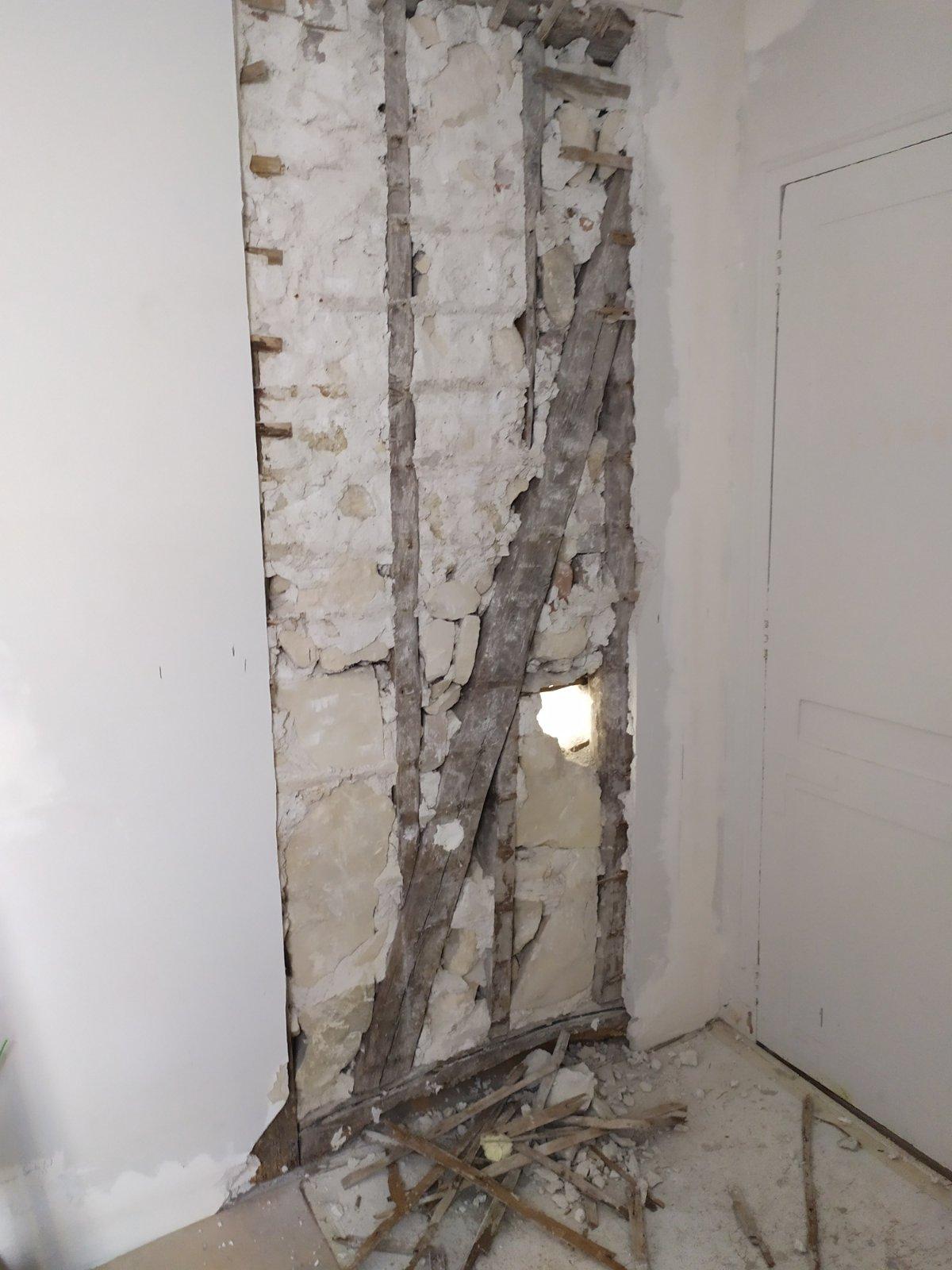 Murs porteurs Renforcement des poutres - Ouverture d'une baie dans un mur porteur en colombage réalisé à Levallois-Perret. Renforcement par structure métallique 12