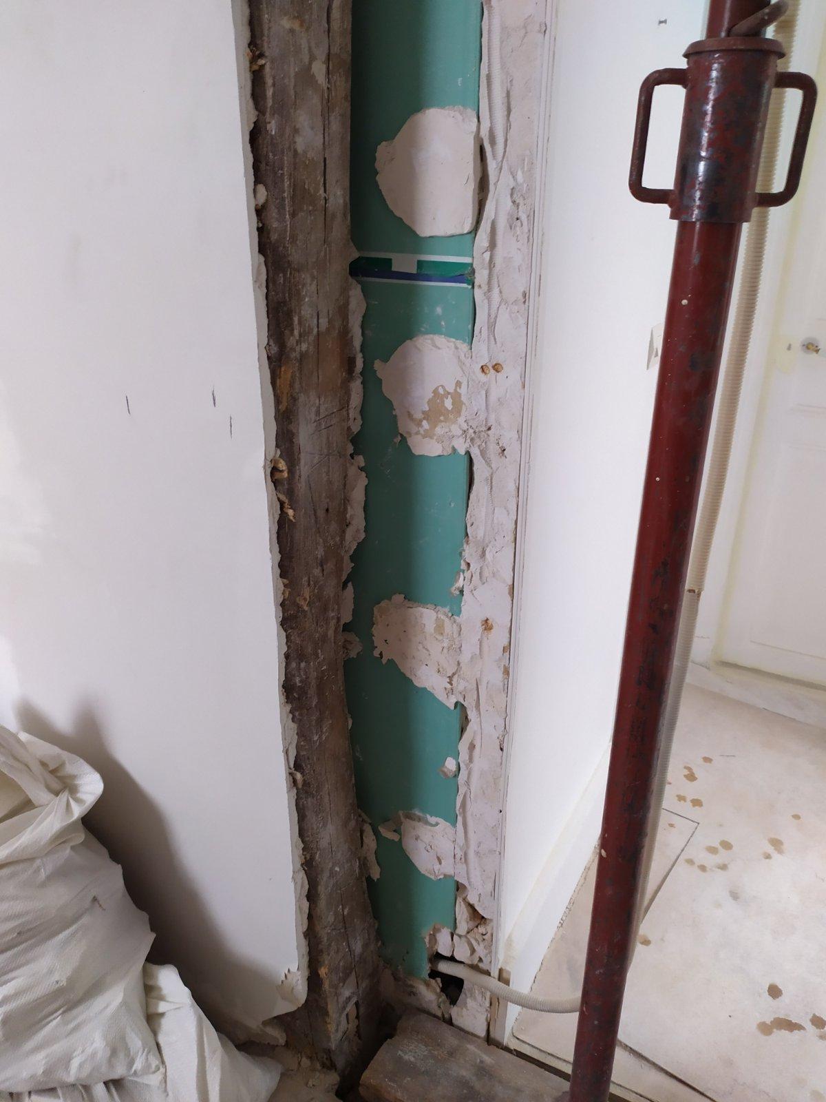 Murs porteurs Renforcement des poutres - Ouverture d'une baie dans un mur porteur en colombage réalisé à Levallois-Perret. Renforcement par structure métallique 11